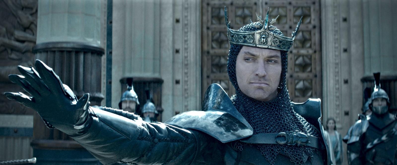 Watch Online Hd King Arthur: Legend Of The Sword